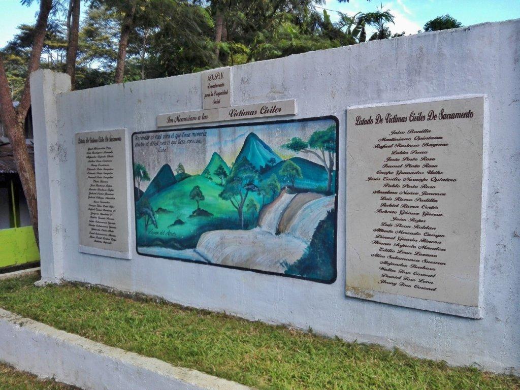 Monumento a las víctimas civiles