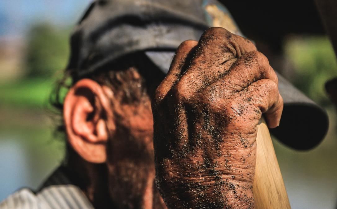 Miedo y silencio causa el negocio de la arena en Risaralda