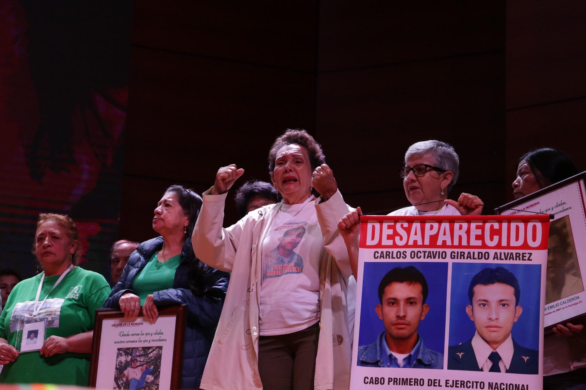 """""""Luchamos contra el frío del olvido"""": crónica de un doloroso encuentro por los desparecidos"""