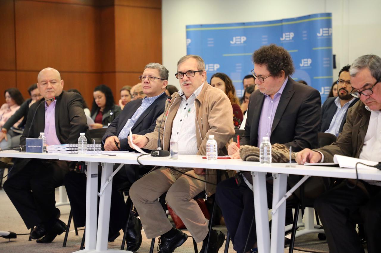 Primer paso: cúpula de las Farc reconoce su responsabilidad en los secuestros