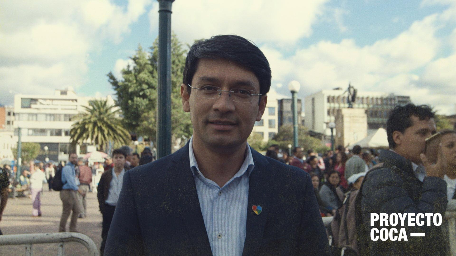 'Duque no puede dejar tiradas a las comunidades cultivadoras de coca': Camilo Romero
